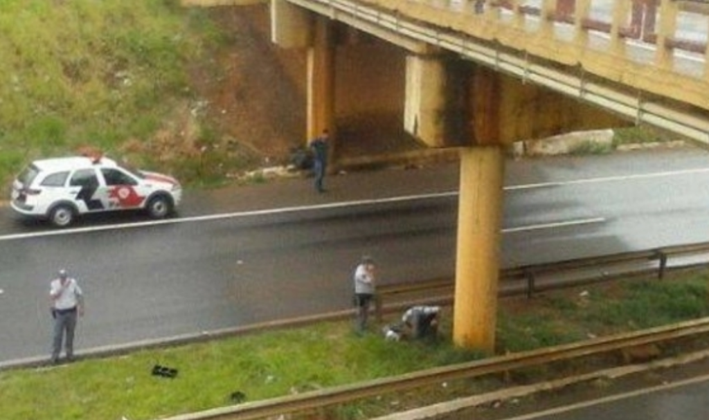 Cantora gospel tenta pular de viaduto em Cuiabá (MT).
