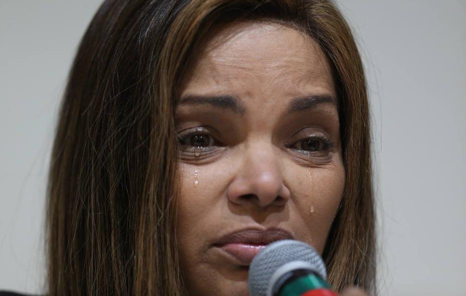 Cantora gospel Flordelis passará a ser investigada.
